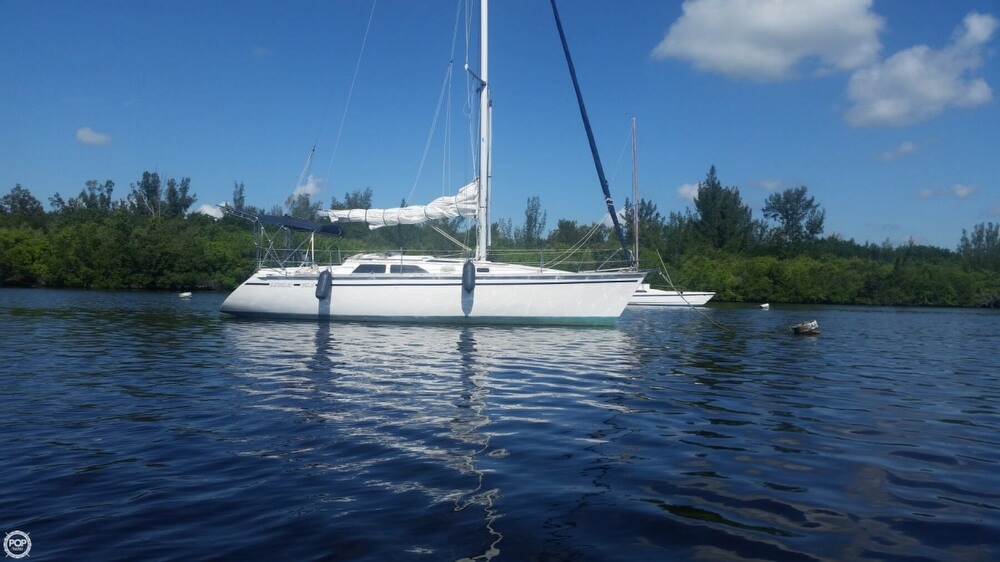 Hunter 35 5 Legend for sale in United States of America for