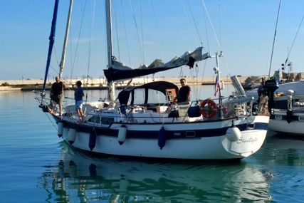 Irwin Yachts 43 MKIII for sale in Italy for €65,000 (£58,051)