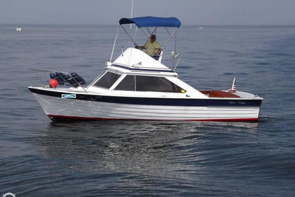 Chris-Craft 28 for sale in United States of America for $15,000 (£11,380)