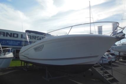 Jeanneau Cap Camarat 8.5 CC for sale in France for €54,900 (£49,033)