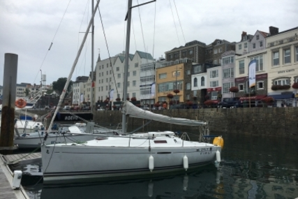 Beneteau First 25.7 Lifting Keel for sale in France for €32,000 (£28,608)