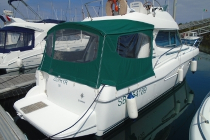 Jeanneau Merry Fisher 925 Fly for sale in France for €45,000 (£40,275)