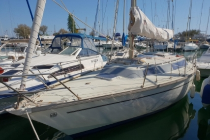 Dufour 31 for sale in France for €17,000 (£14,957)