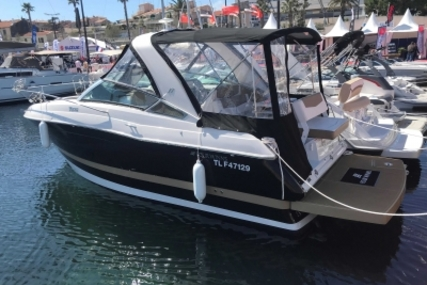 Four Winns Vista 275 for sale in France for 125 000 € (110 042 £)