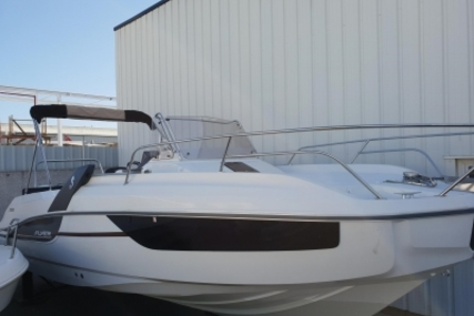 Beneteau Flyer 7.7 Sundeck for sale in France for €67,000 (£58,952)