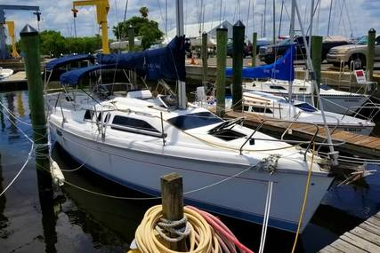 Hunter 29.5 for sale in United States of America for $19,000 (£14,435)