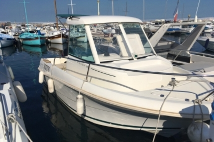 Jeanneau Merry Fisher 585 for sale in France for €12,500 (£11,164)
