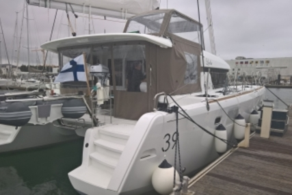 Lagoon 39 for sale in Spain for €289,000 (£251,984)