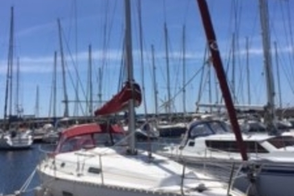 Beneteau Oceanis 361 Clipper for sale in France for €50,000 (£44,656)