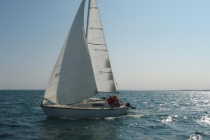 Beneteau First 25 for sale in France for €4,200 (£3,751)