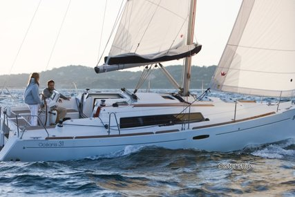 Beneteau Oceanis 31 for sale in France for €59,500 (£52,430)