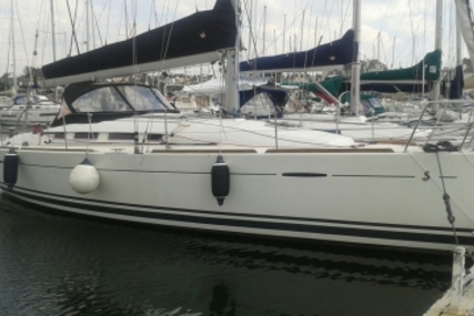 Beneteau First 35 for sale in France for €104,000 (£90,679)