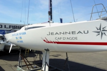 Jeanneau Sun Fast 3200 for sale in France for €139,500 (£124,853)