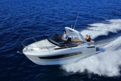 Jeanneau Leader 30 for sale in France for €165,000 (£147,039)