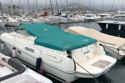 Jeanneau Leader 805 for sale in France for €25,000 (£22,330)