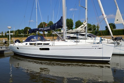 Jeanneau Sun Odyssey 44i for sale in Belgium for €105,000 (£94,531)