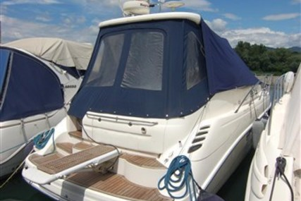 Sealine S34 for sale in Italy for €92,000 (£82,570)