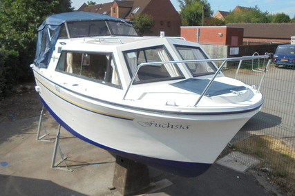 Viking Yachts 20 Wide Beam 'Fushia' for sale in United Kingdom for £10,995