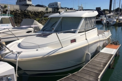 Jeanneau Merry Fisher 725 for sale in France for €29,000 (£26,039)