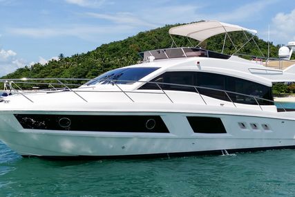 Majesty 48 flybridge for sale in Spain for $720,000 (£559,136)