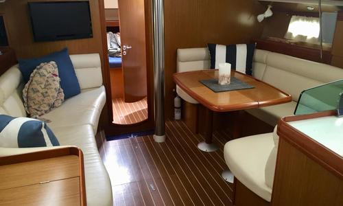 Image of Jeanneau Sun Odyssey 42 DS for sale in United States of America for $172,500 (£132,467) St. Peterburg, Florida, United States of America