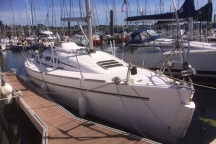 Elan 31 for sale in France for €46,900 (£41,888)