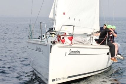 Beneteau Oceanis 37 for sale in Spain for €79,500 (£68,945)