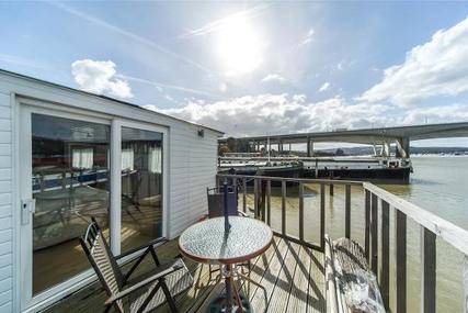 Houseboat Thames Lighter for sale in United Kingdom for £200,000