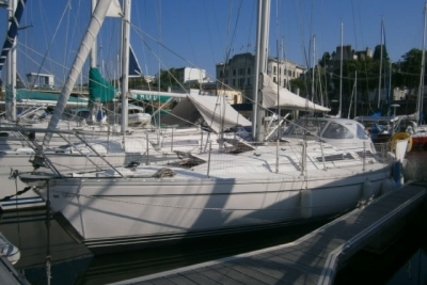 Jeanneau SUN RISE 35 for sale in France for €37,500 (£33,187)