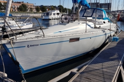 Beneteau Oceanis 350 for sale in France for € 34.000 (£ 30.529)