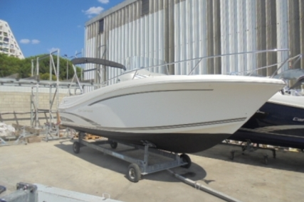 Jeanneau Cap Camarat 7.5 Cc for sale in France for €33,000 (£29,408)