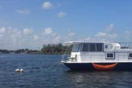 Chris-Craft 35 aqua home for sale in United States of America for $22,500 (£17,900)