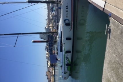 Jeanneau Sun Fast 3200 for sale in France for €112,000 (£98,108)
