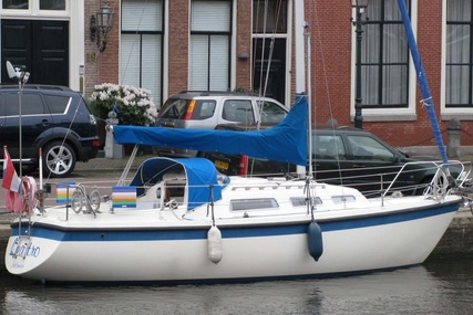 Hurley 800 for sale in Netherlands for €18,000 (£16,069)