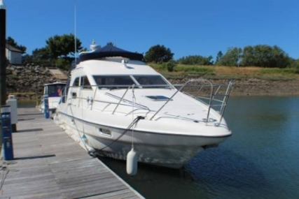 Sealine F33 for sale in United Kingdom for £77,000