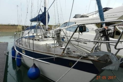 Hallberg-Rassy 352 for sale in United Kingdom for £55,750