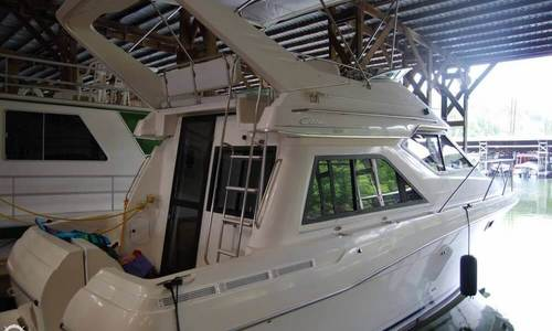 Image of Bayliner 3258 Ciera Command Bridge for sale in United States of America for $44,000 (£36,214) Mount Ida, Arkansas, United States of America