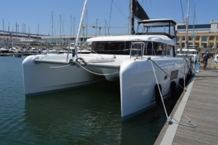 Lagoon 42 for sale in Portugal for €450,000 (£399,908)
