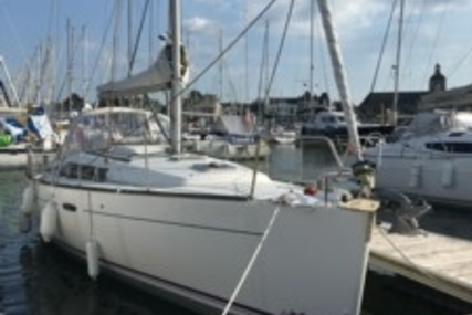 Beneteau Oceanis 37 for sale in France for €89,000 (£79,663)