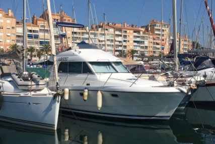Beneteau Antares 10.80 for sale in France for €59,000 (£53,064)