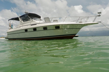 Cruisers Yachts 3370 Esprit for sale in United States of America for $24,000 (£18,358)