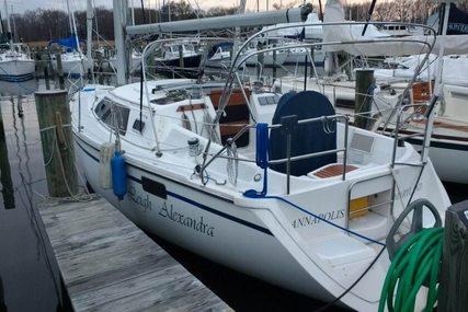 Hunter 32 Vision for sale in United States of America for $18,500 (£14,070)