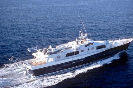 Lurssen 33 for sale in Greece for €650,000 (£583,745)