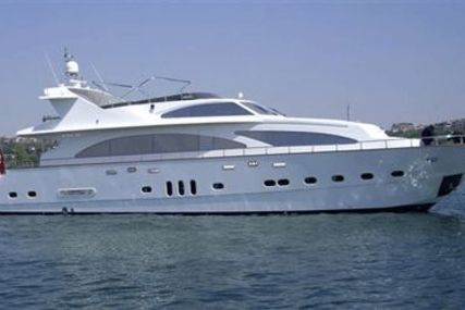 Giant 30 for sale in Greece for €2,180,000 (£1,958,266)