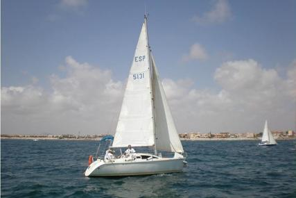 Jeanneau Sunway 25 for sale in Spain for €14,000 (£12,442)
