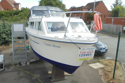Viking Yachts 26 Widebeam 'Taunt's River' for sale in United Kingdom for £29,995