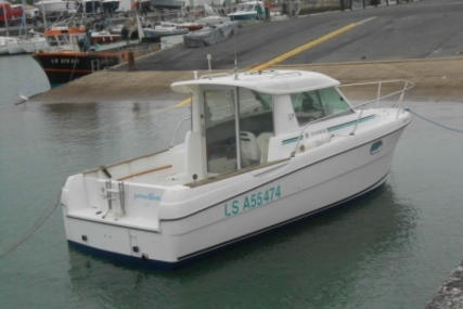 Jeanneau Merry Fisher 695 for sale in France for €17,900 (£16,072)