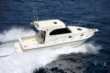 Cantieri Navali di Livorno Space 310 for sale in Italy for €65,000 (£57,200)