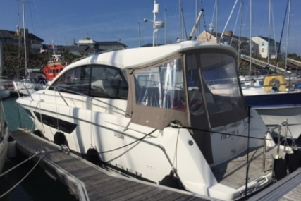 Jeanneau Leader 9 for sale in France for €103,000 (£88,131)