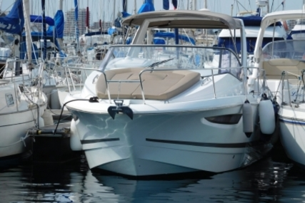 Jeanneau Leader 8 for sale in France for €79,000 (£70,666)